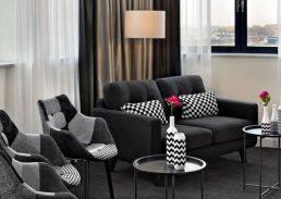 Black & White suite Rotterdam Airport lounge-gedeelte