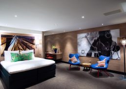 Luxe Mexico suite Hotel Schiphol A4 kingsize bed