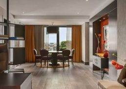 Royal suite Hilton Den Haag woongedeelte